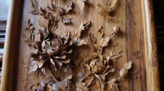 Hoa phù dung trong đồ gỗ có ý nghĩa gì?